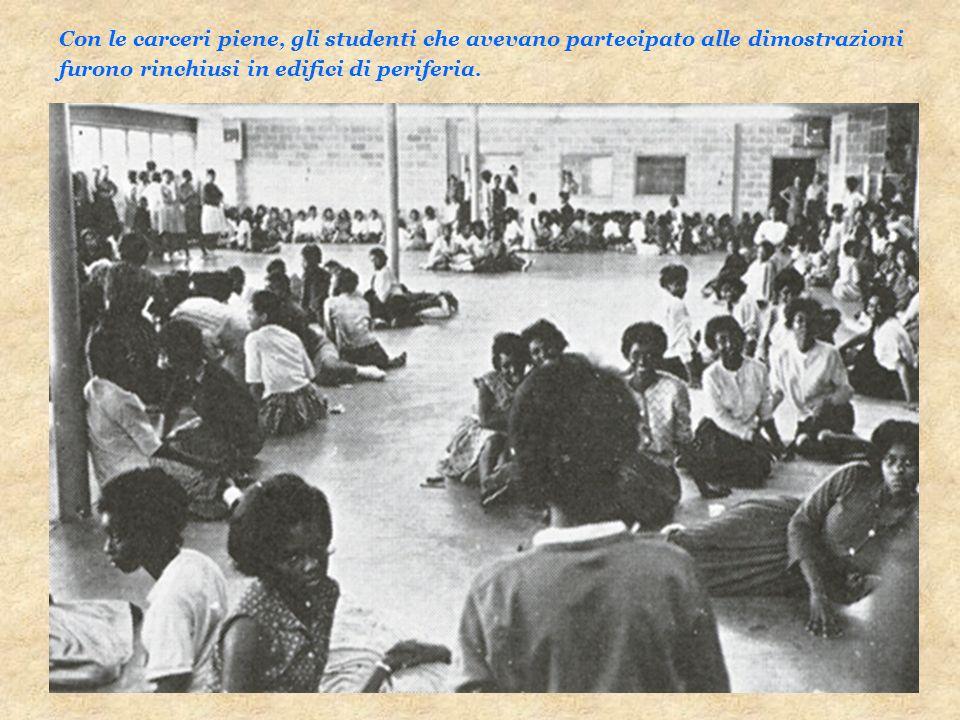 Con le carceri piene, gli studenti che avevano partecipato alle dimostrazioni