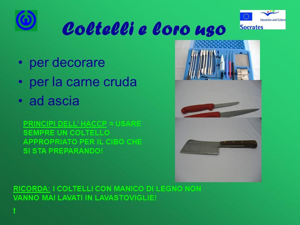 Coltelli e loro uso per decorare per la carne cruda ad ascia