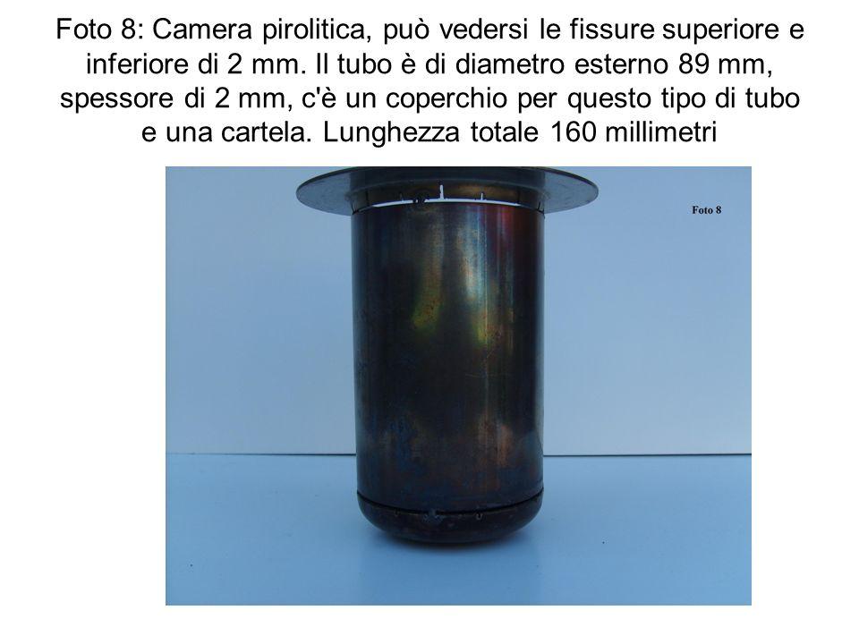 Foto 8: Camera pirolitica, può vedersi le fissure superiore e inferiore di 2 mm.