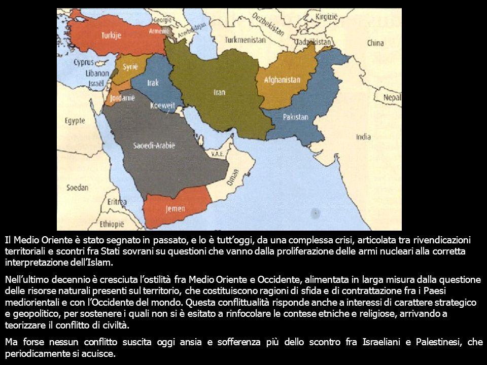 Il Medio Oriente è stato segnato in passato, e lo è tutt'oggi, da una complessa crisi, articolata tra rivendicazioni territoriali e scontri fra Stati sovrani su questioni che vanno dalla proliferazione delle armi nucleari alla corretta interpretazione dell'Islam.