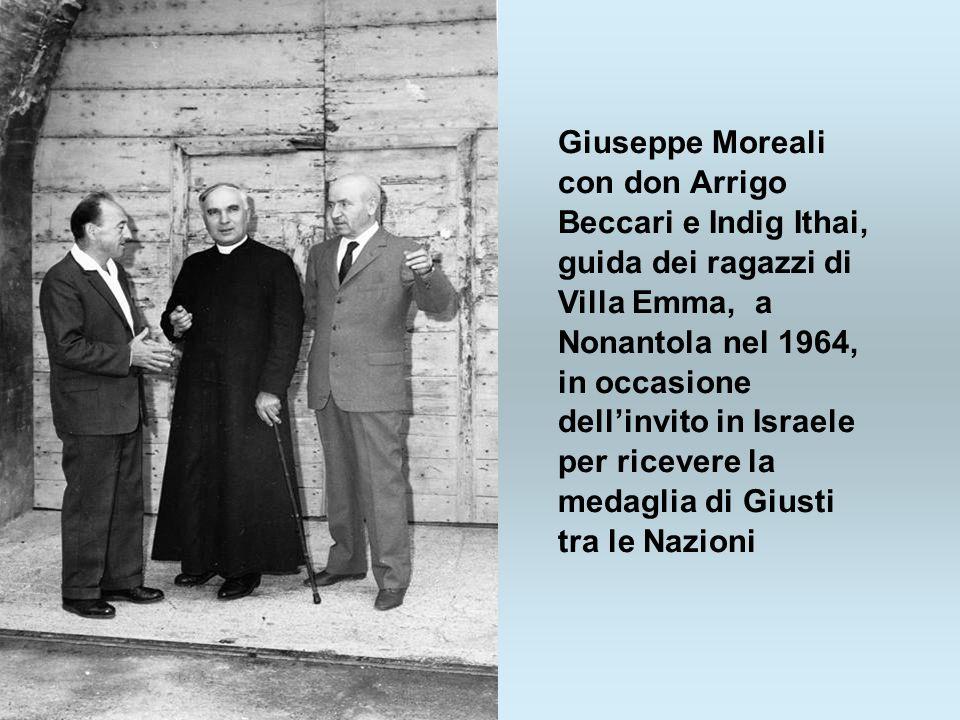 Giuseppe Moreali con don Arrigo Beccari e Indig Ithai, guida dei ragazzi di Villa Emma, a Nonantola nel 1964, in occasione dell'invito in Israele per ricevere la medaglia di Giusti tra le Nazioni