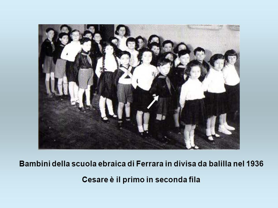Bambini della scuola ebraica di Ferrara in divisa da balilla nel 1936
