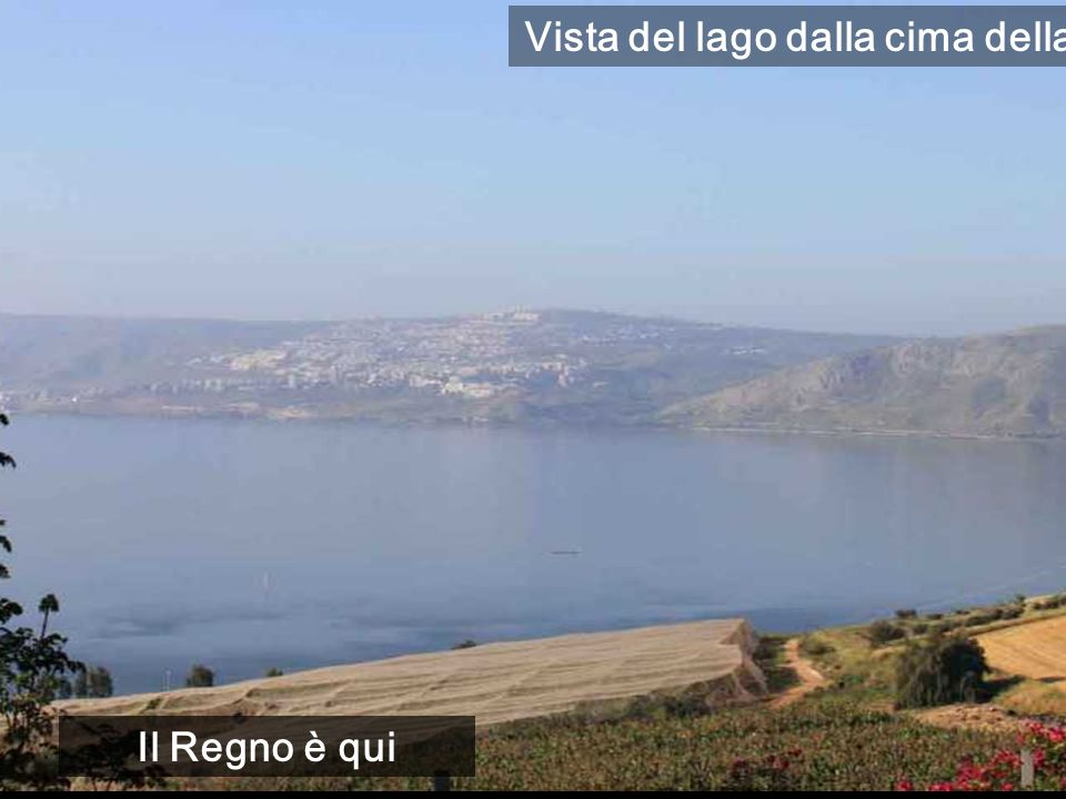 Vista del lago dalla cima della montagna