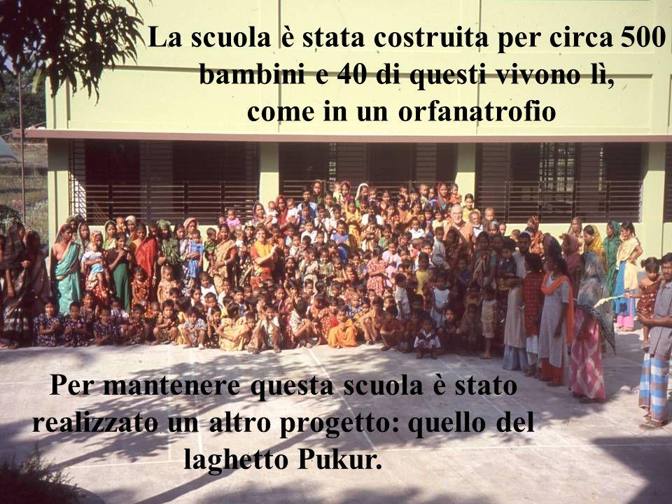 La scuola è stata costruita per circa 500