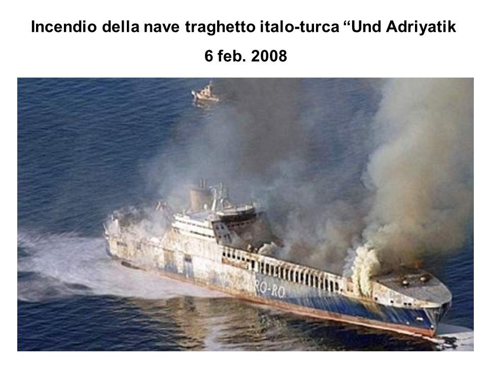 Incendio della nave traghetto italo-turca Und Adriyatik