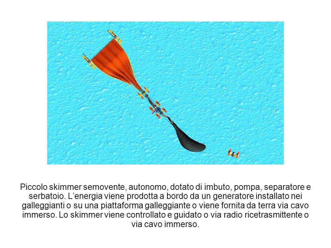 Piccolo skimmer semovente, autonomo, dotato di imbuto, pompa, separatore e serbatoio.