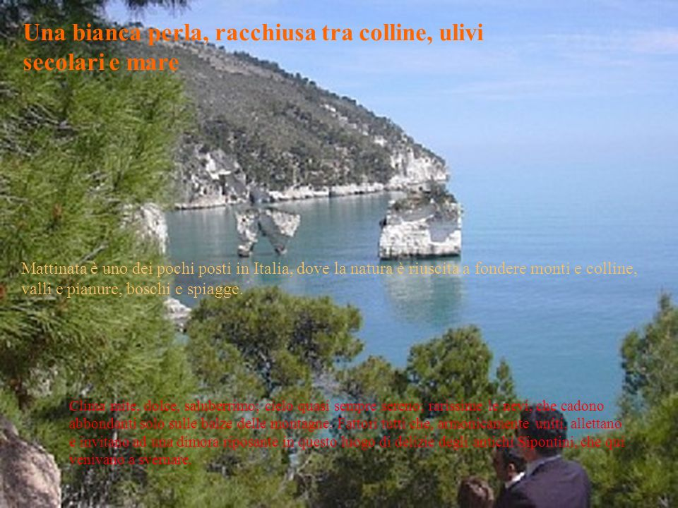 Una bianca perla, racchiusa tra colline, ulivi secolari e mare