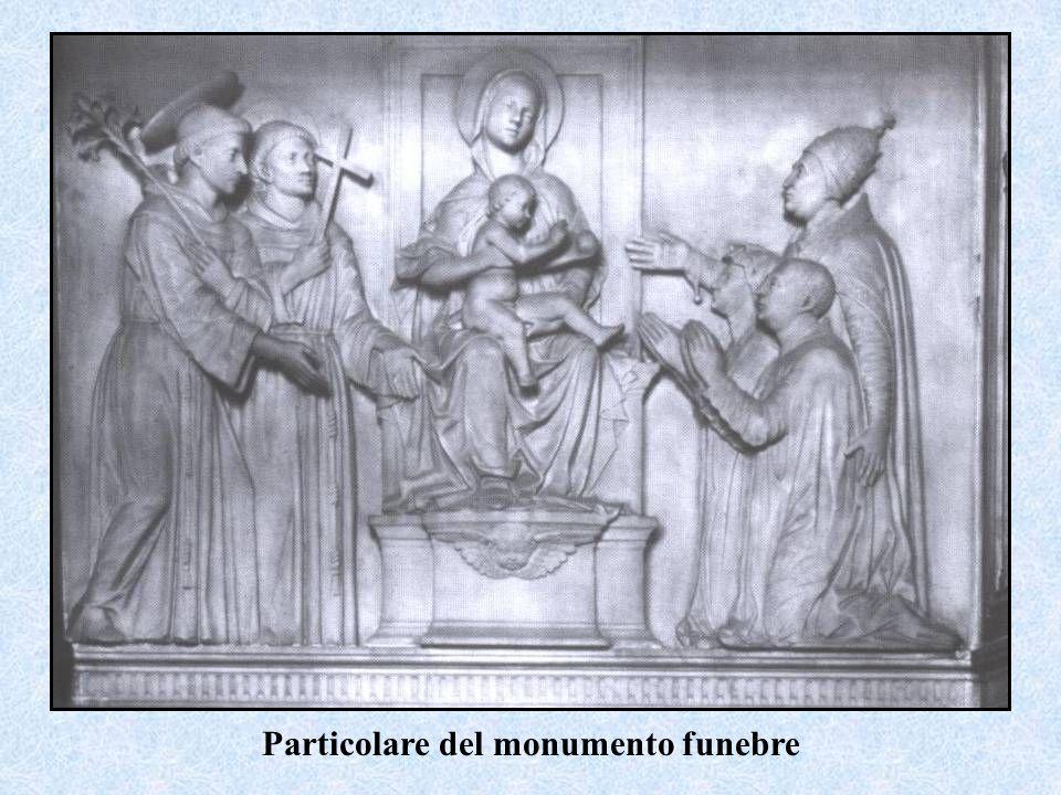 Particolare del monumento funebre