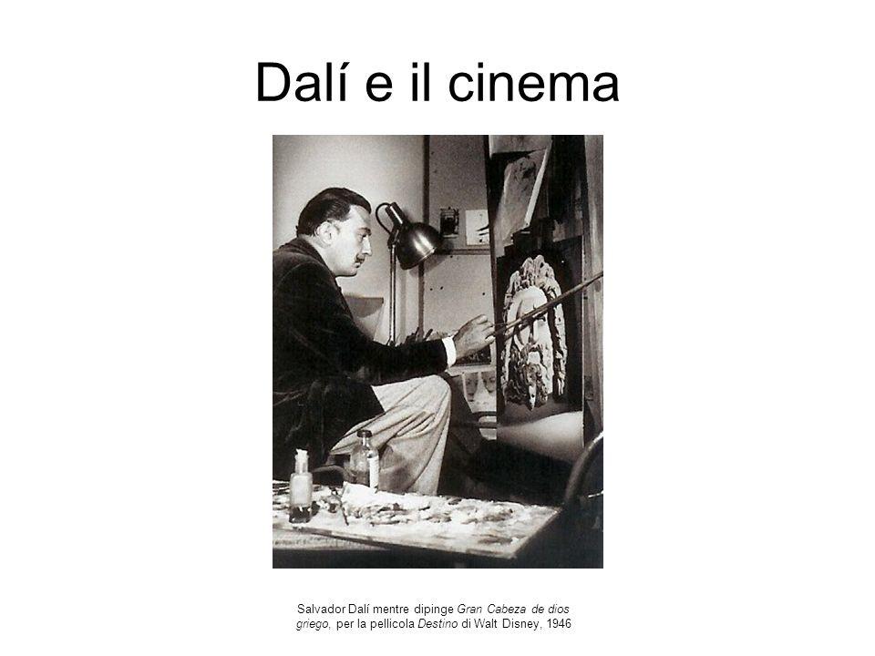 Dalí e il cinema Salvador Dalí mentre dipinge Gran Cabeza de dios griego, per la pellicola Destino di Walt Disney, 1946.