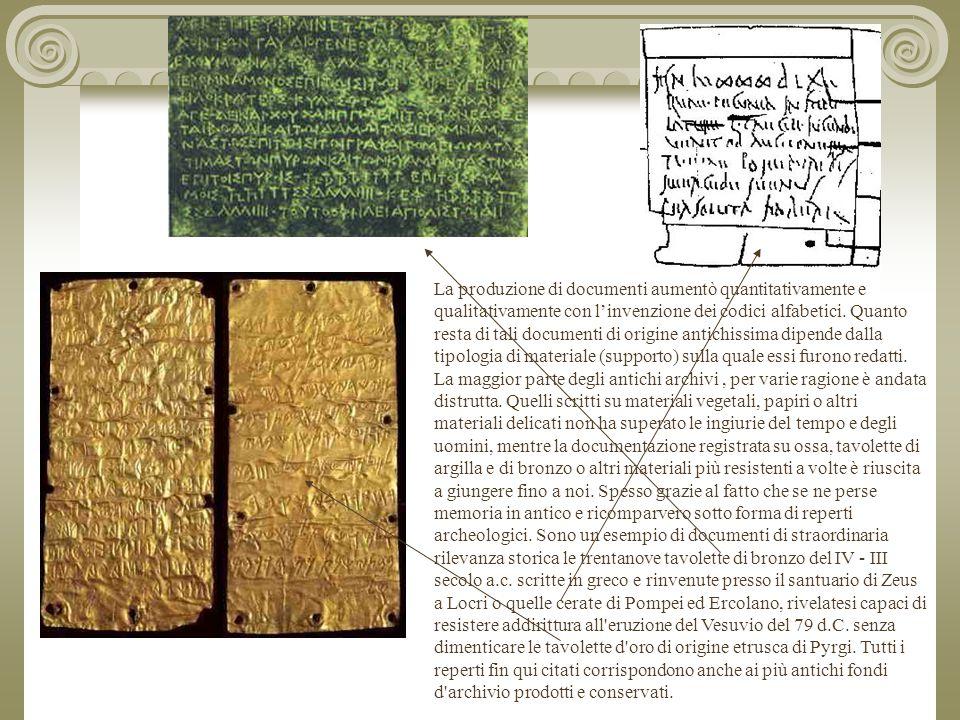 La produzione di documenti aumentò quantitativamente e qualitativamente con l'invenzione dei codici alfabetici.
