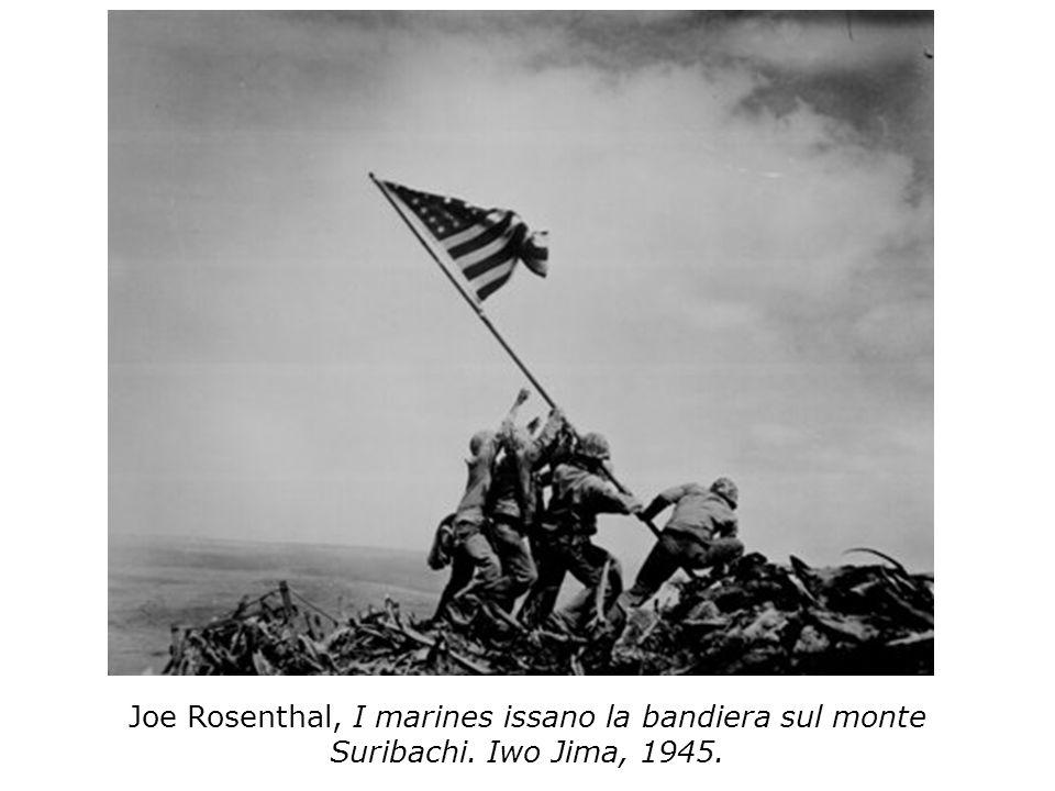 Joe Rosenthal, I marines issano la bandiera sul monte Suribachi