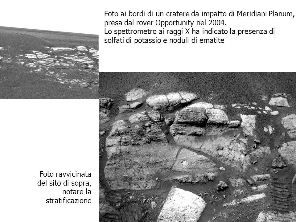 Foto ai bordi di un cratere da impatto di Meridiani Planum,