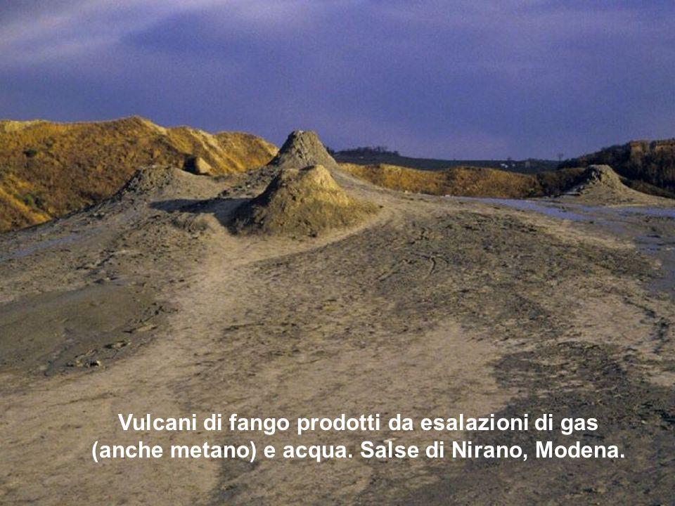 Vulcani di fango prodotti da esalazioni di gas