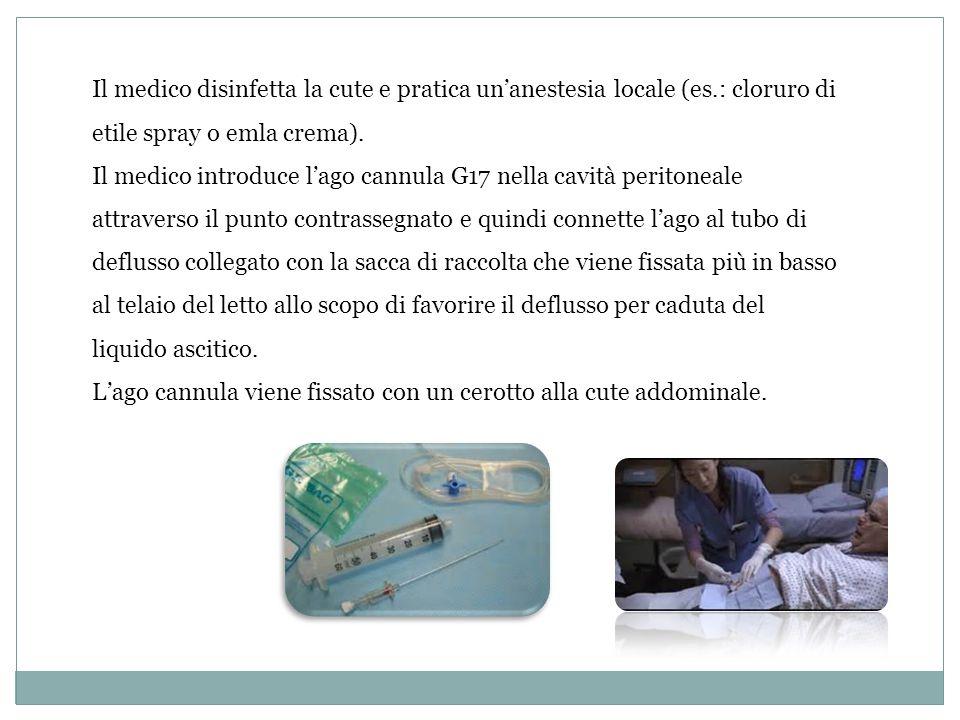 Il medico disinfetta la cute e pratica un'anestesia locale (es
