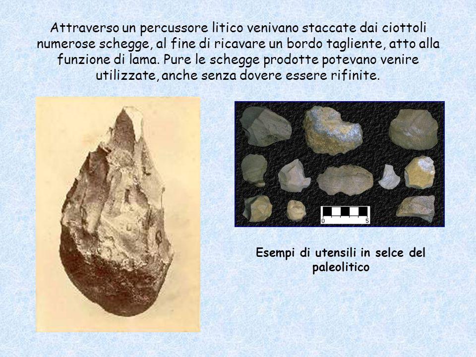 Esempi di utensili in selce del paleolitico