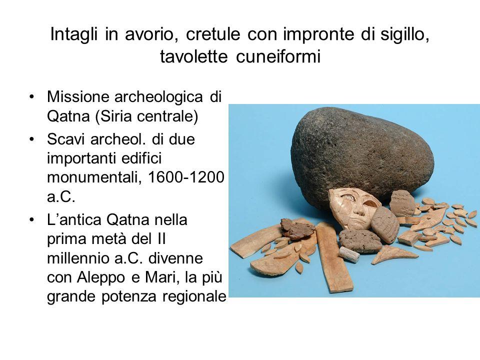 Intagli in avorio, cretule con impronte di sigillo, tavolette cuneiformi