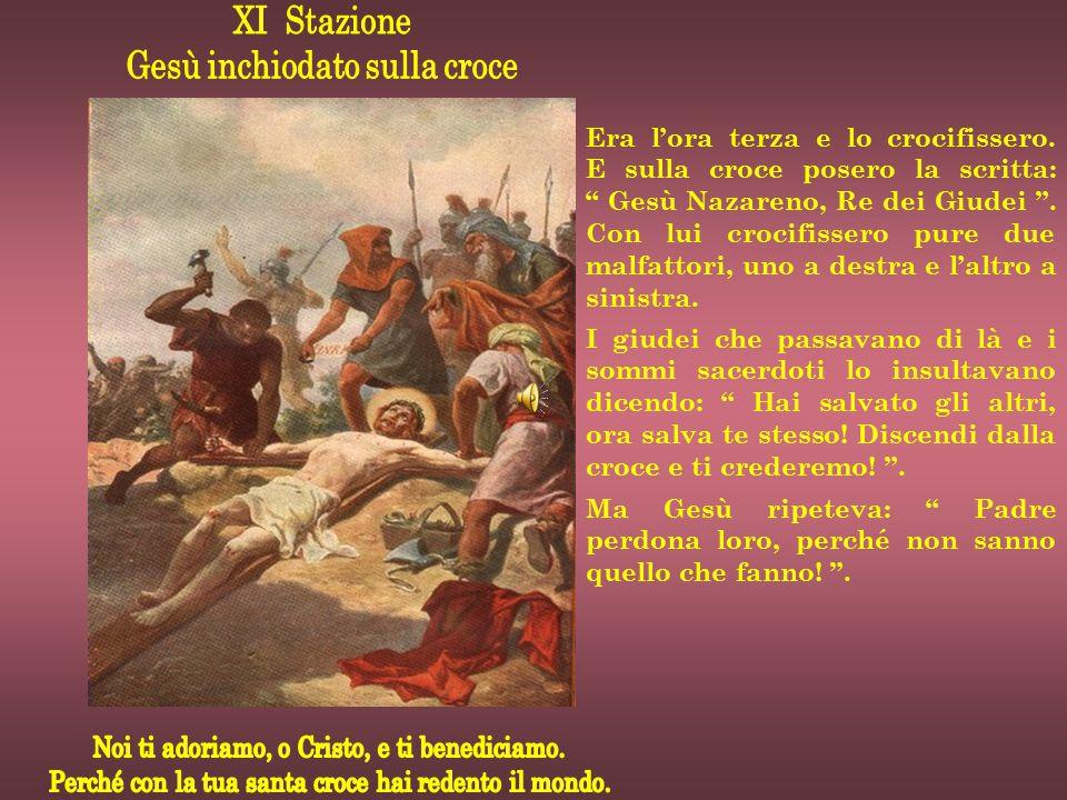 Gesù inchiodato sulla croce
