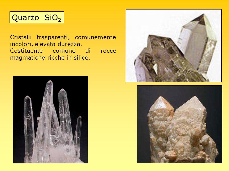 Quarzo SiO2 Cristalli trasparenti, comunemente incolori, elevata durezza.