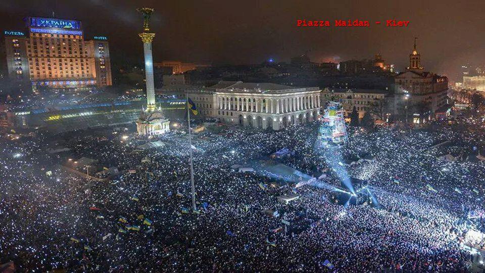 Verso la fine del 2013, in piazza Maidan a Kiev, ebbero inizio le prime proteste filo-europee che sfociarono, nel corso dei mesi di gennaio e febbraio 2014 in violenti scontri con feriti e morti. Il Presidente in carica fugge da Kiev il 22 febbraio 2014 e si rifugia in Russia. Il 27 giugno 2014 il nuovo Presidente ucraino firma l'Accordo di Associazione tra l'Ukraina e l' Unione Europea.
