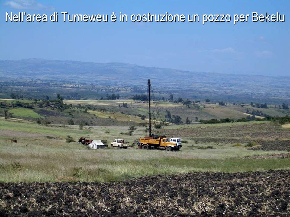 Nell'area di Tumeweu è in costruzione un pozzo per Bekelu
