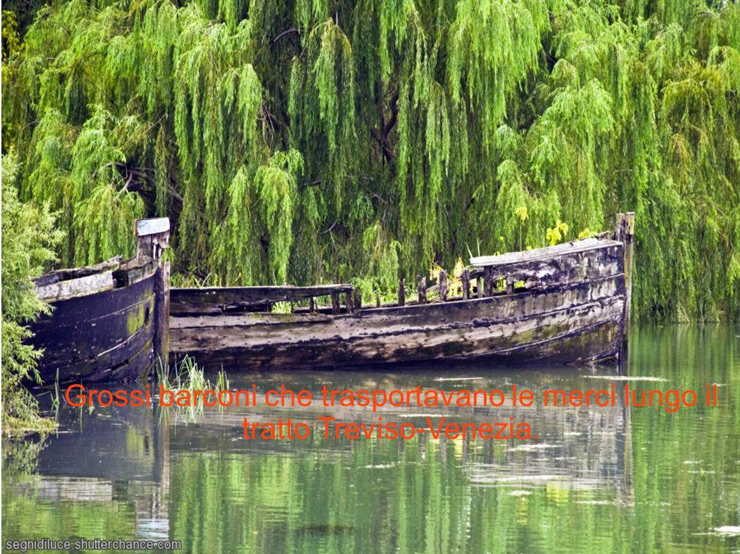 Grossi barconi che trasportavano le merci lungo il tratto Treviso-Venezia.