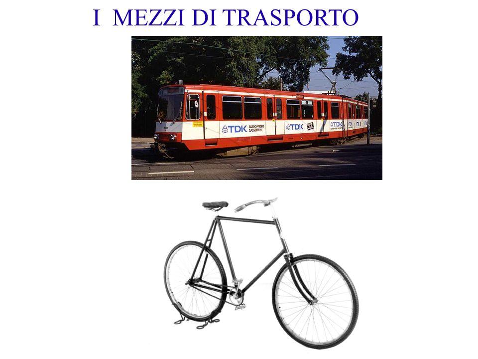 I MEZZI DI TRASPORTO Si arriva dappertutto o quasi con metro e bicicletta