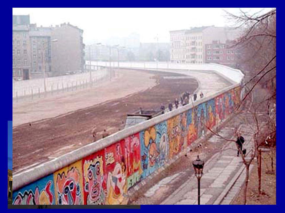 BERLINO 3.500.000 ab (area metropolitana) Porta di Brandeburgo