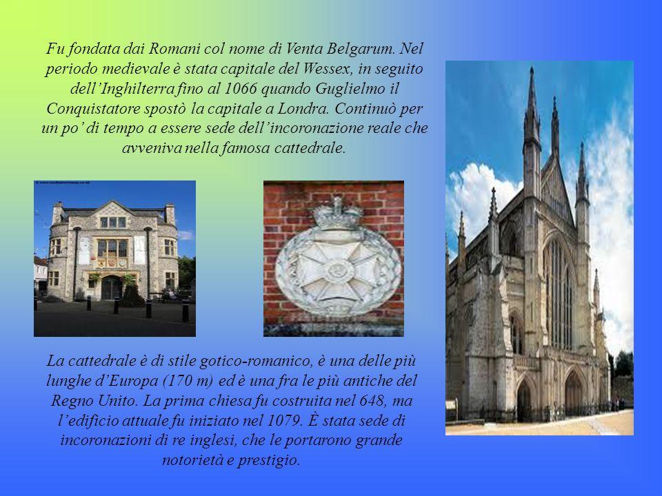 Fu fondata dai Romani col nome di Venta Belgarum
