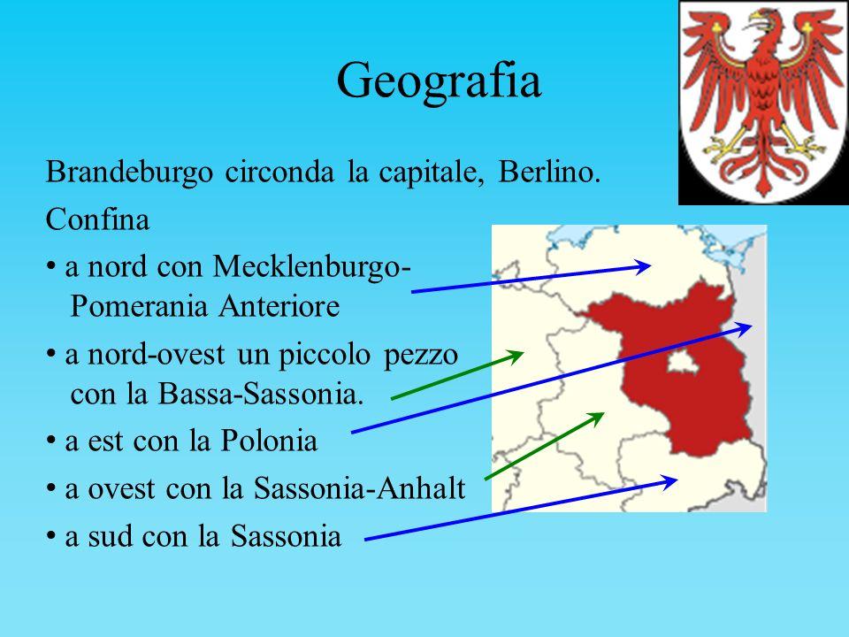 Geografia Brandeburgo circonda la capitale, Berlino. Confina