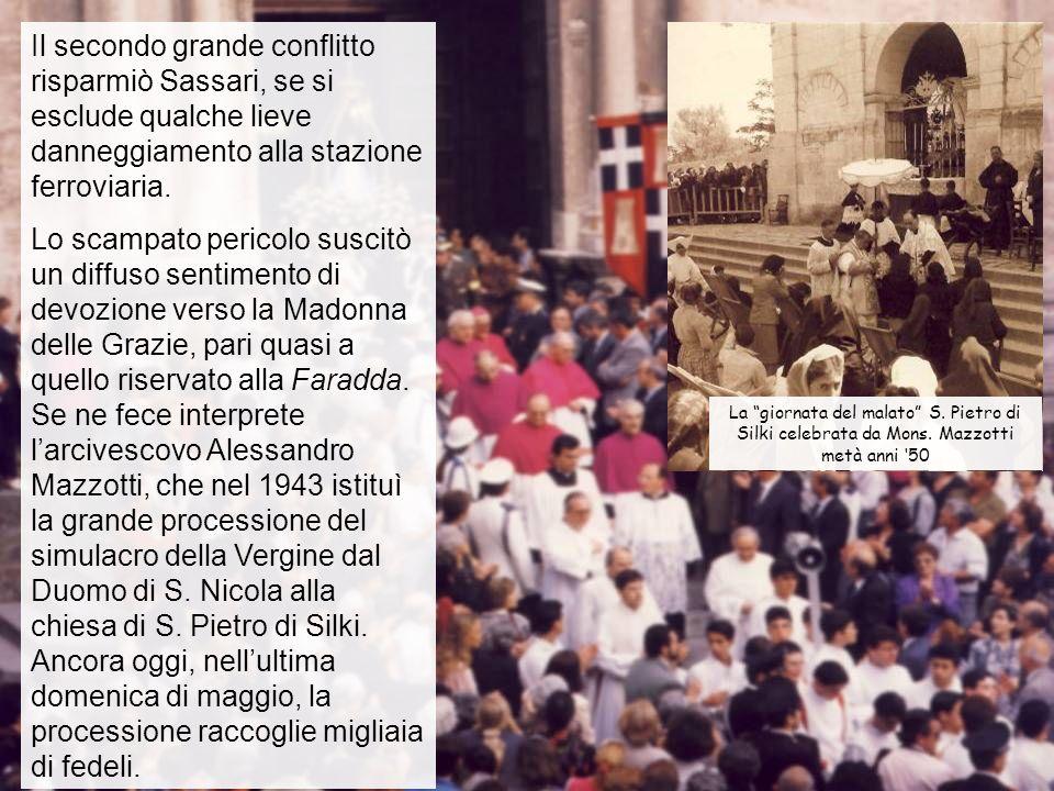 Il secondo grande conflitto risparmiò Sassari, se si esclude qualche lieve danneggiamento alla stazione ferroviaria.