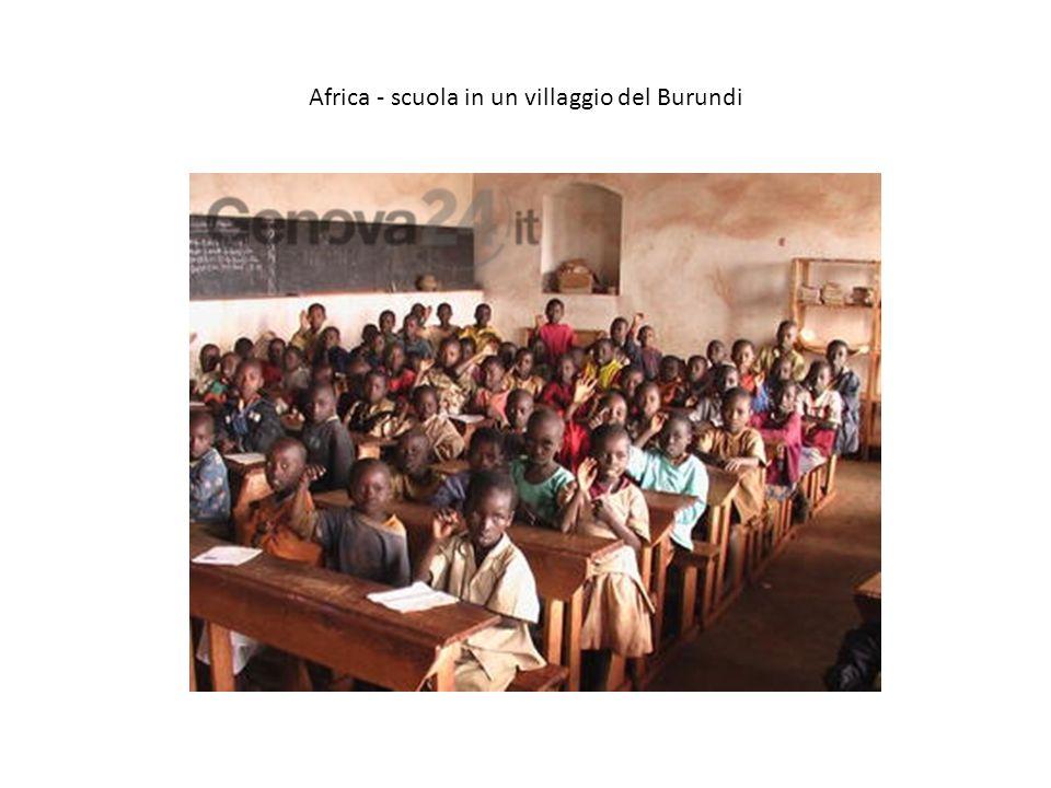 Africa - scuola in un villaggio del Burundi