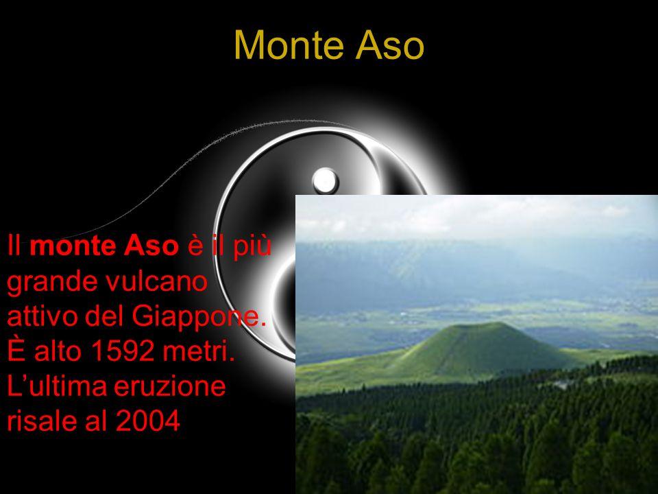 8Monte Aso.Il monte Aso è il più grande vulcano attivo del Giappone.
