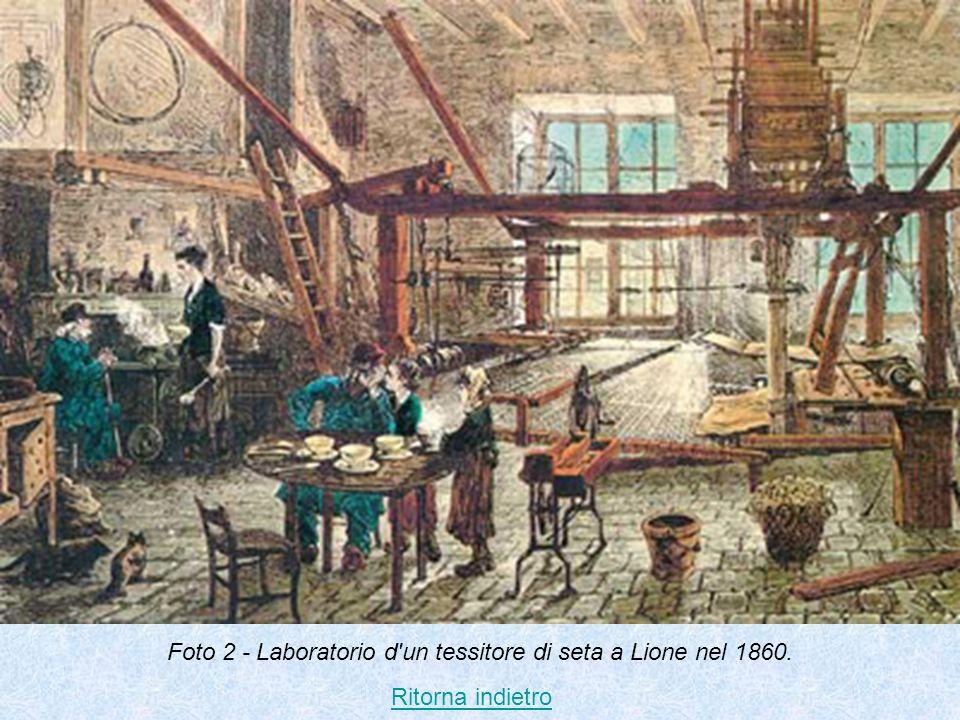 Foto 2 - Laboratorio d un tessitore di seta a Lione nel 1860.