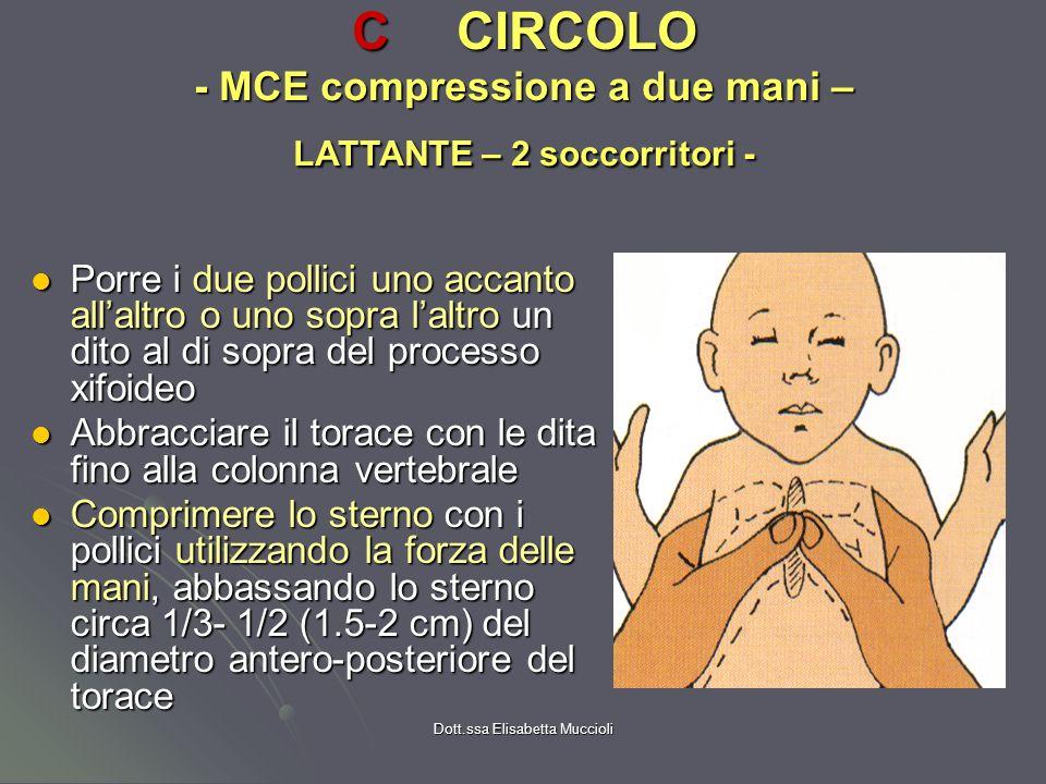 C CIRCOLO - MCE compressione a due mani – LATTANTE – 2 soccorritori -