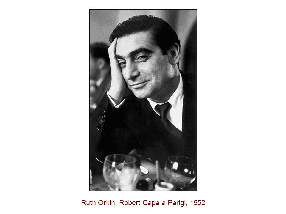 Ruth Orkin, Robert Capa a Parigi, 1952