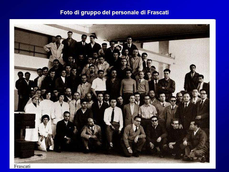 Foto di gruppo del personale di Frascati