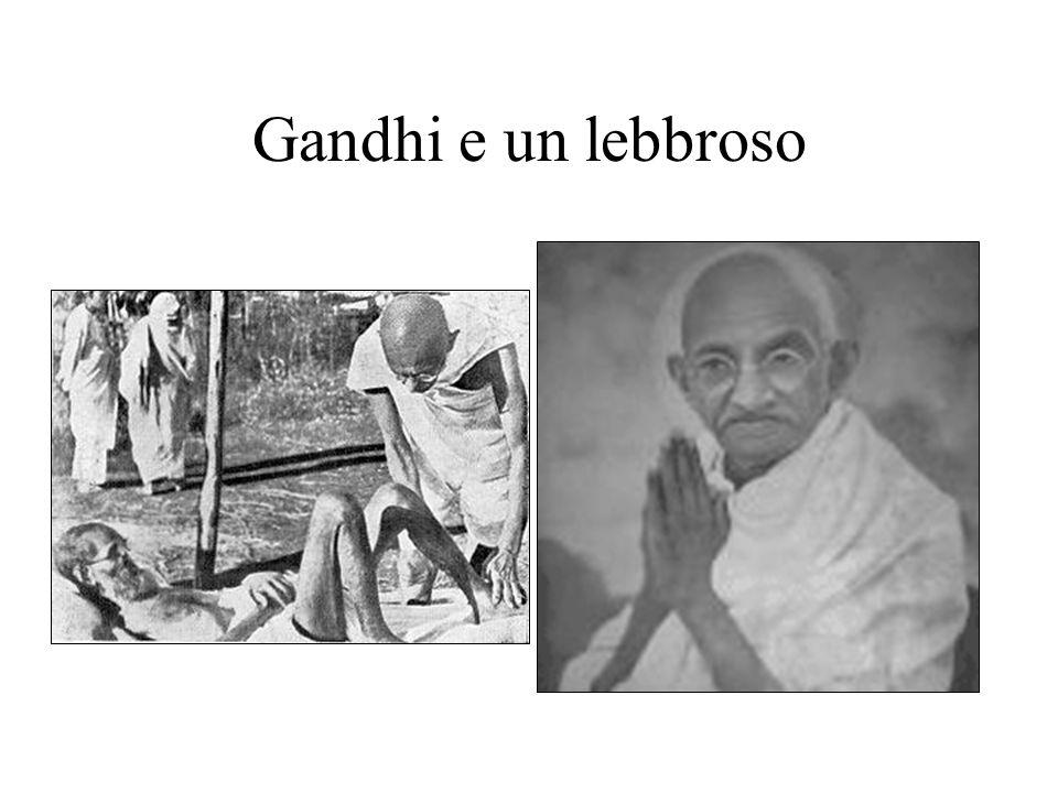 Gandhi e un lebbroso