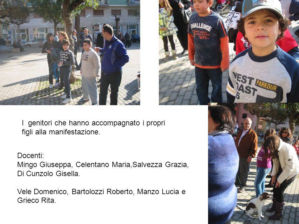 I genitori che hanno accompagnato i propri figli alla manifestazione.