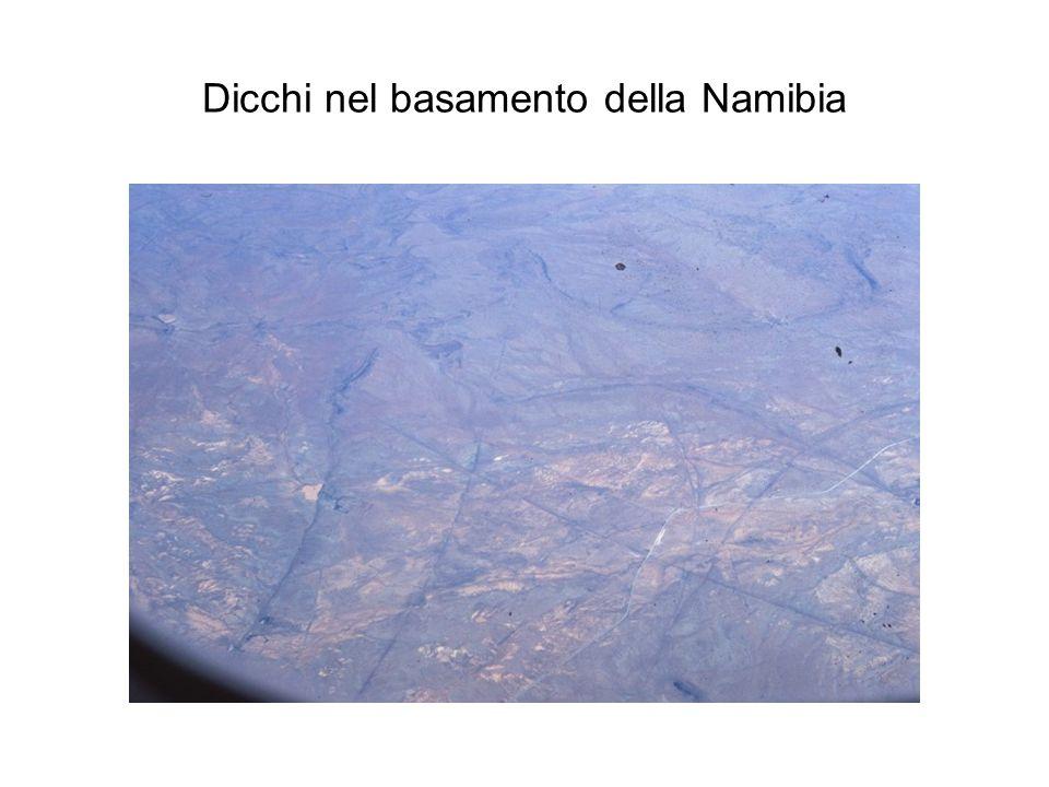 Dicchi nel basamento della Namibia
