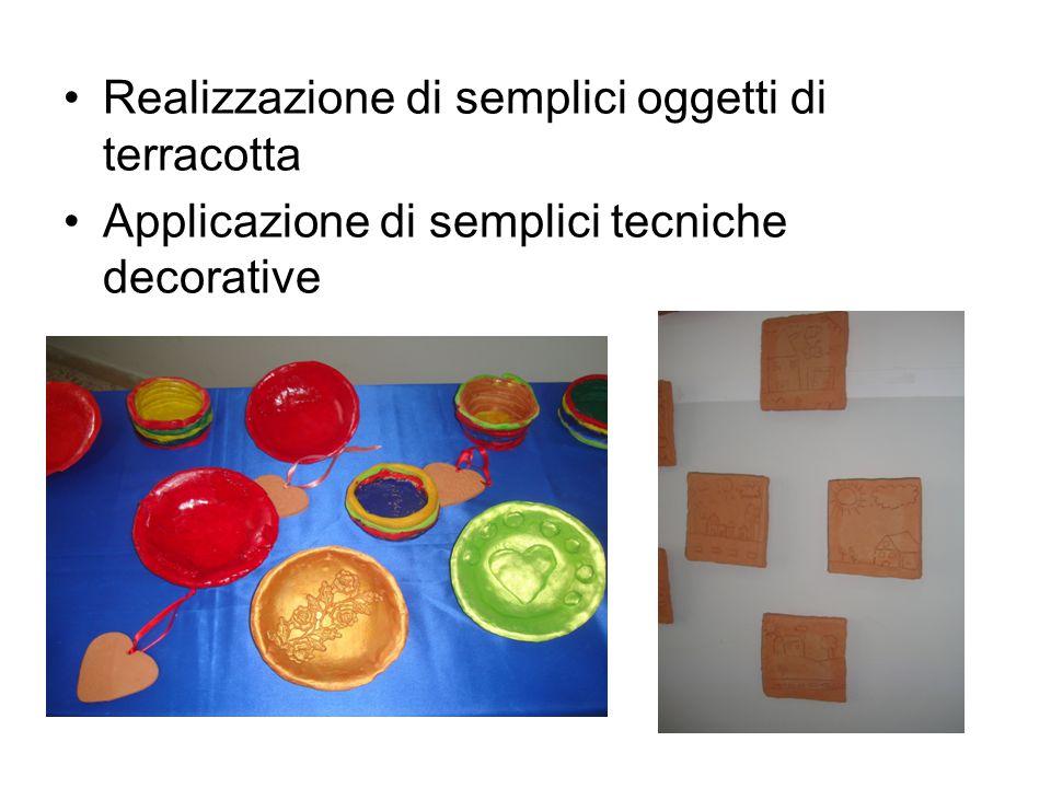 Realizzazione di semplici oggetti di terracotta