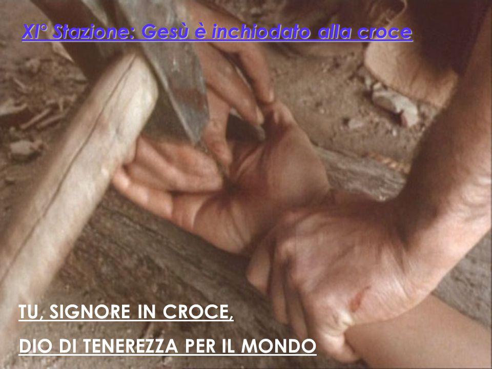 XI° Stazione: Gesù è inchiodato alla croce