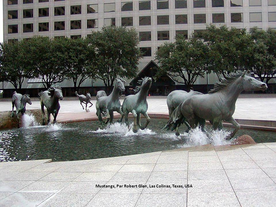 Mustangs, Par Robert Glen, Las Colinas, Texas, USA