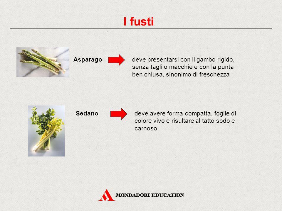 I fusti Asparago. deve presentarsi con il gambo rigido, senza tagli o macchie e con la punta ben chiusa, sinonimo di freschezza.
