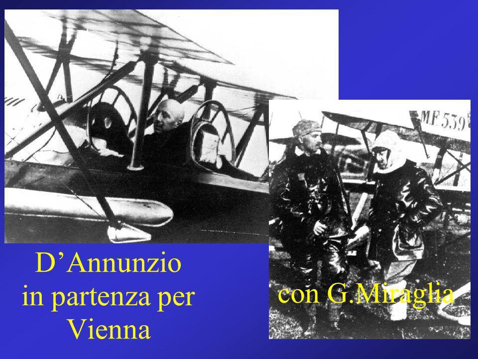 Gabriele D'Annunzio in partenza per Vienna
