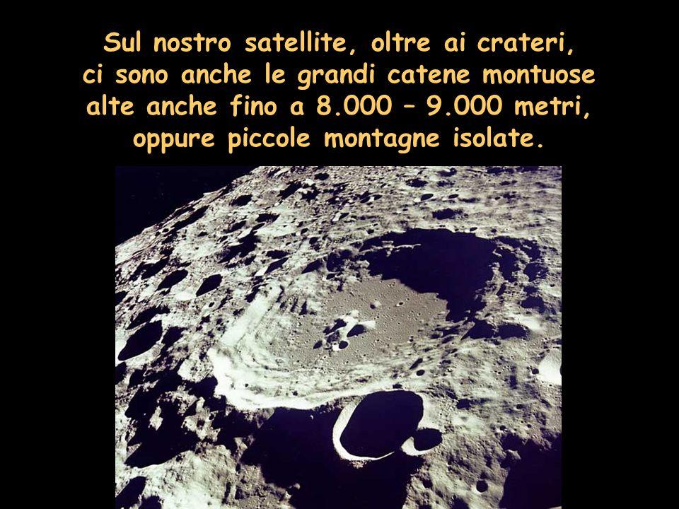 Sul nostro satellite, oltre ai crateri,