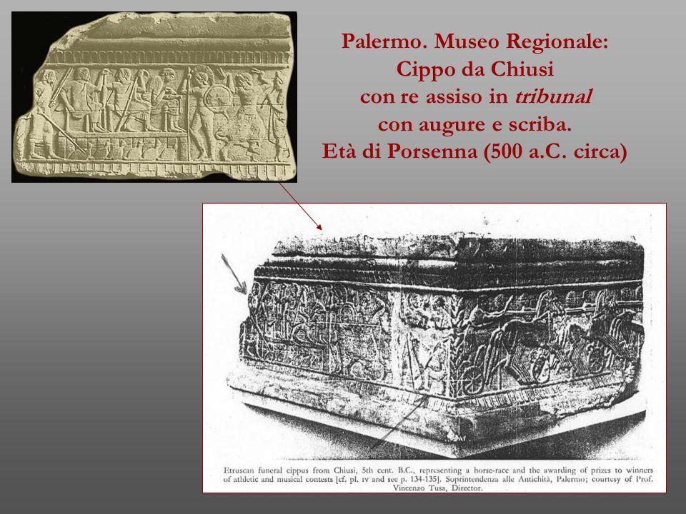 Palermo. Museo Regionale: Cippo da Chiusi con re assiso in tribunal