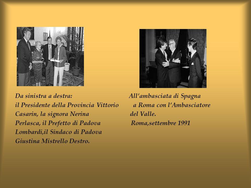Da sinistra a destra: All'ambasciata di Spagna