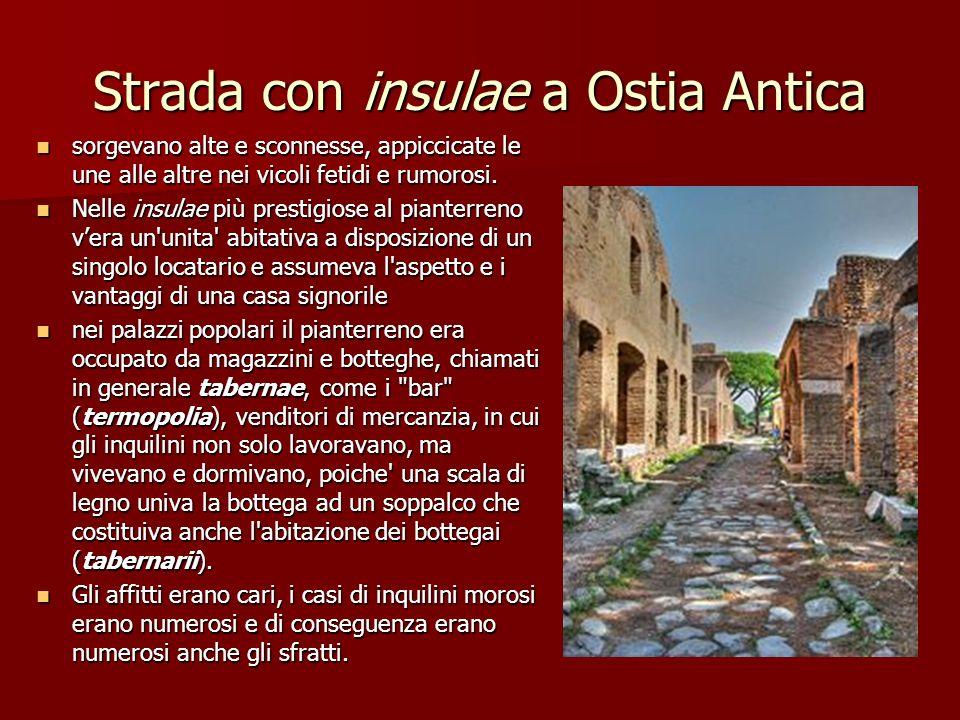 Strada con insulae a Ostia Antica