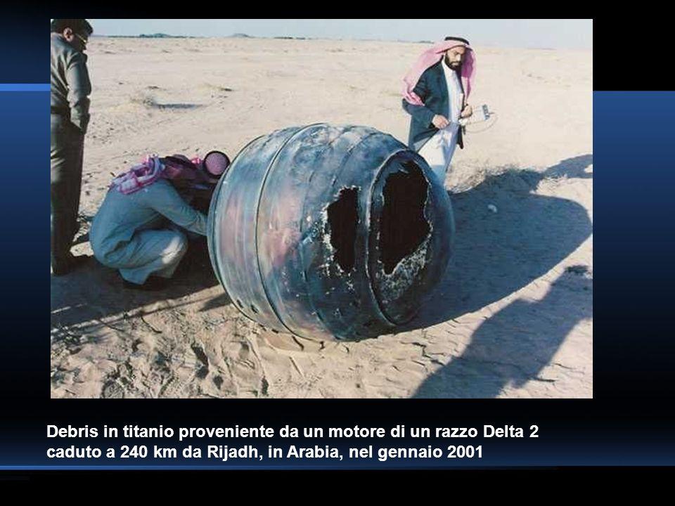 Debris in titanio proveniente da un motore di un razzo Delta 2