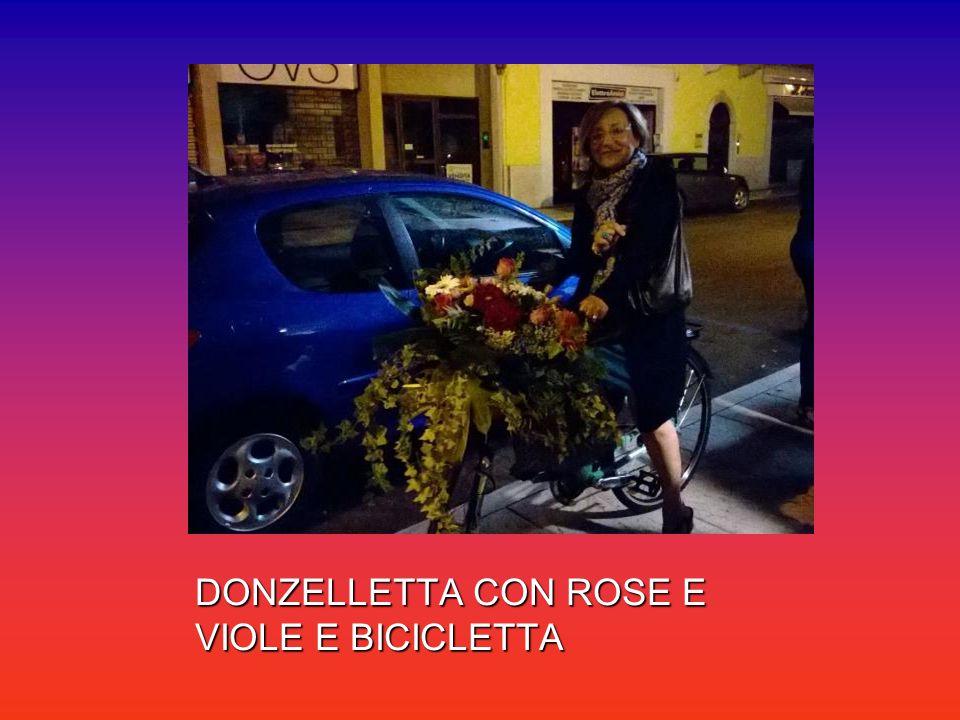DONZELLETTA CON ROSE E VIOLE E BICICLETTA